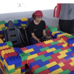 【海外の人気動画】LEGOだけで車作り警察沙汰へ